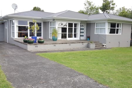 Spacious Modern Room perfect for 2-6 Guests - Auckland - Talo