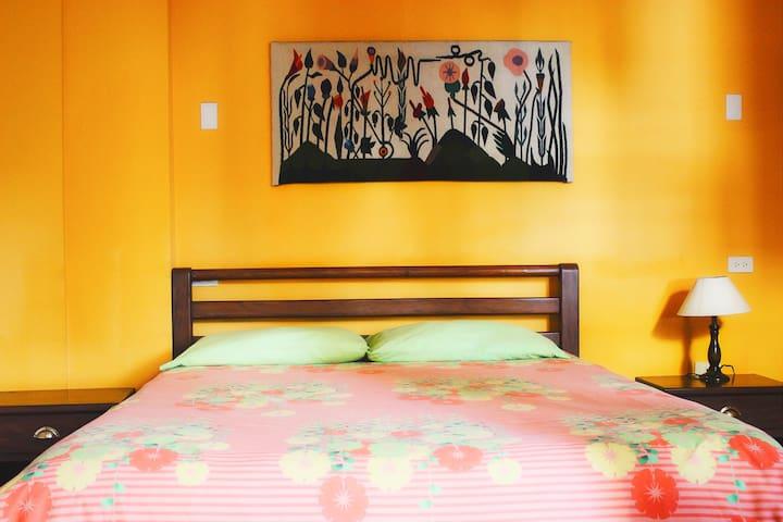 Habitación Matrimonial Baño privado - Baños de Agua Santa - Apartmen