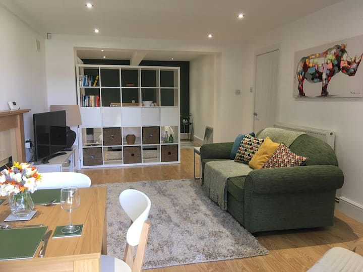 George's Place-Newly Refurbished Garden Apartment
