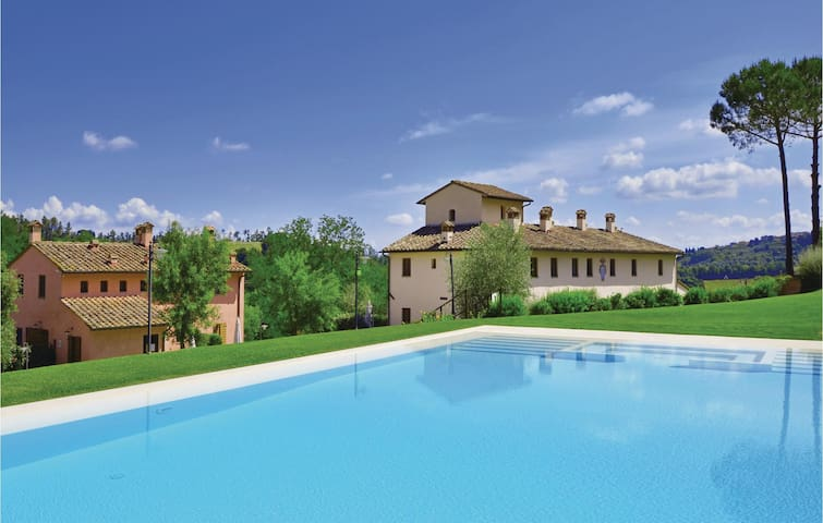 Holiday apartment with 2 bedrooms on 95m² in Castelfiorentino (FI)