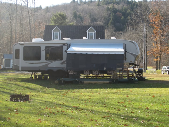Comfortable RV in great Central VT Location