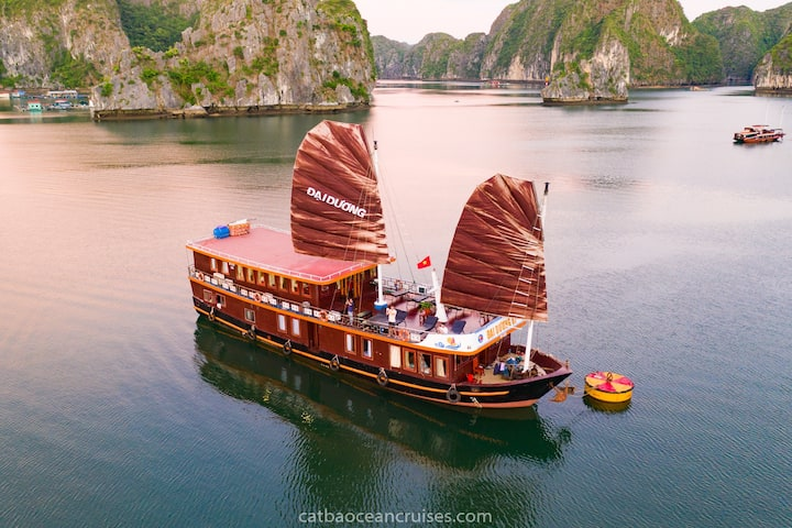 Overnight on Ocean cruise  - Wonder on Lan Ha bay