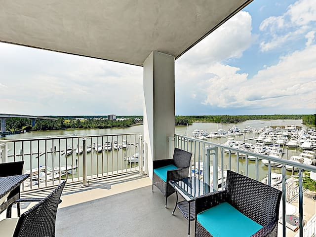 6th-Floor Waterfront Condo w/ Pool & Balcony!
