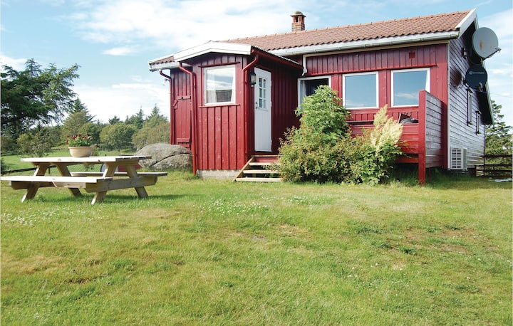 Beautiful home in Farsund with WiFi and 3 Bedrooms