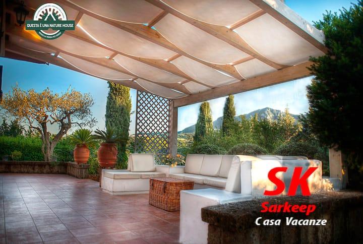 SARKEEP - Villa immersed in the Taurasi wine