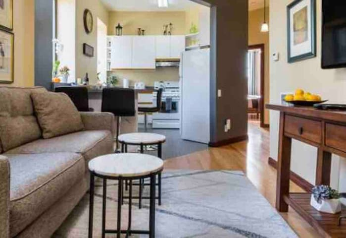 Comfy River West Apt with Free gated parking