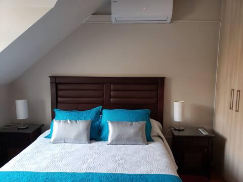 Habitación matrimonial en cómoda y linda casa