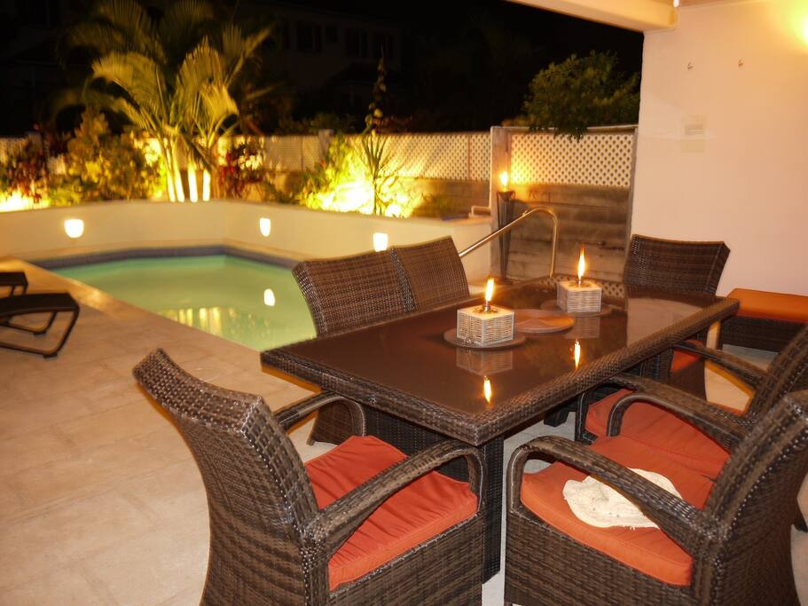 Outside dining poolside