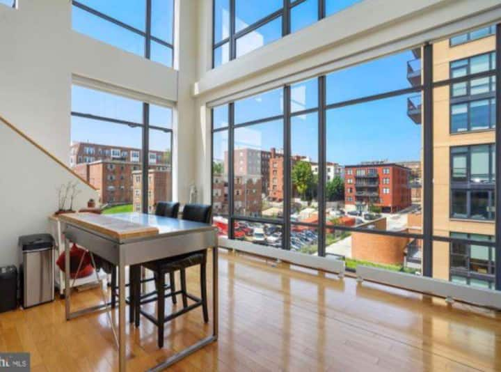 Gorgeous loft in the heart of DC with a rooftop!