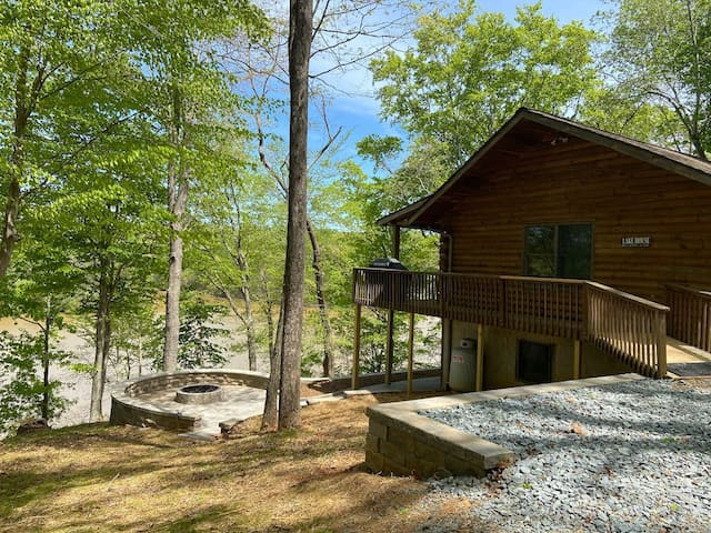 The Retreat at Pine Haven