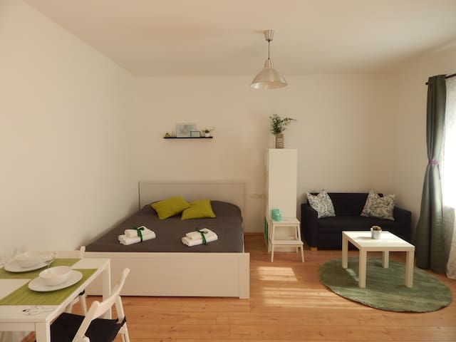 Sunny studio apt +free bicycles - Zadar - Appartement