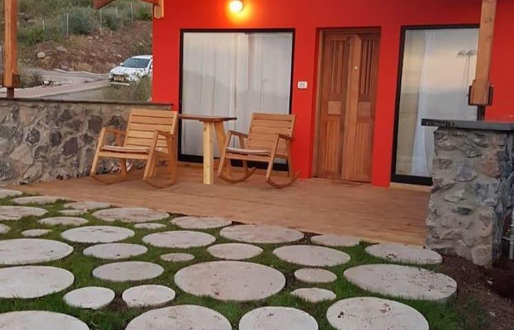 Tzahi sandrossi Tzzimer (red cabin)