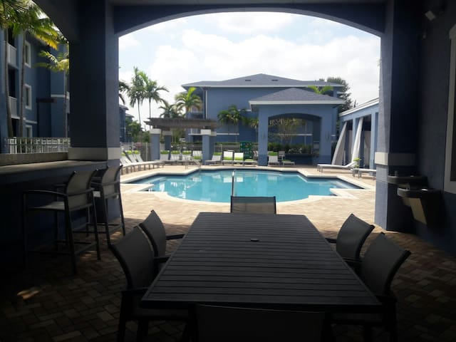 Resort-Style Private Room  Travelers&Cruisers!! - Fort Lauderdale - Apartment