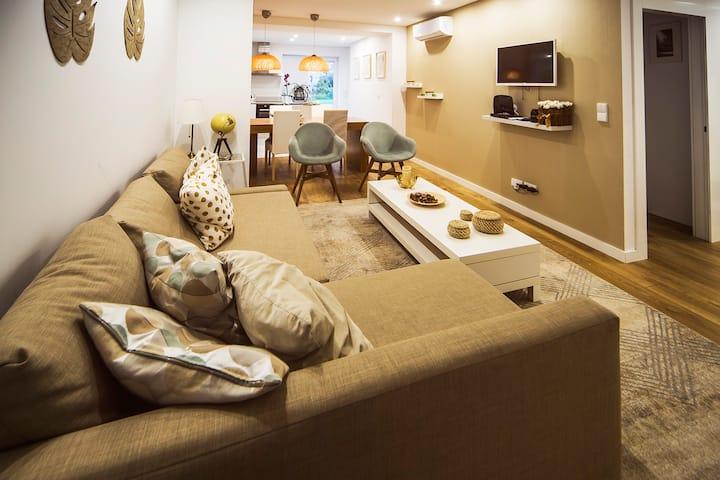 Spacious Ultra-Modern Design Apartment w/ Terrace