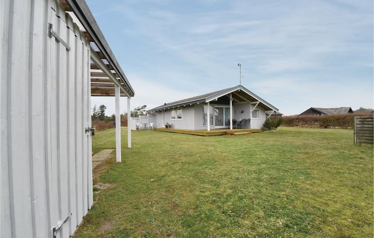 Holiday cottage with 3 bedrooms on 55m² in Martofte