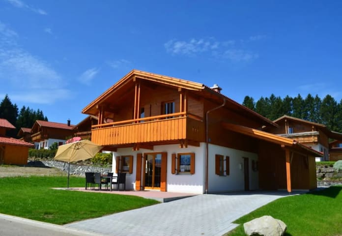 Cosy Holiday Home Casa Romantica with Garden, Terrace, Sauna & Wi-Fi; Carport Available