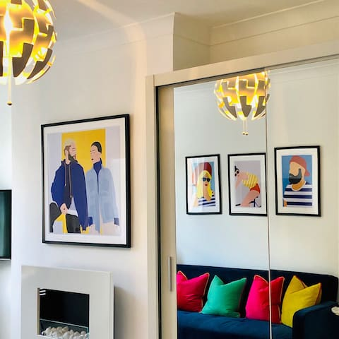 Stunning studio with funky decor in Highgate