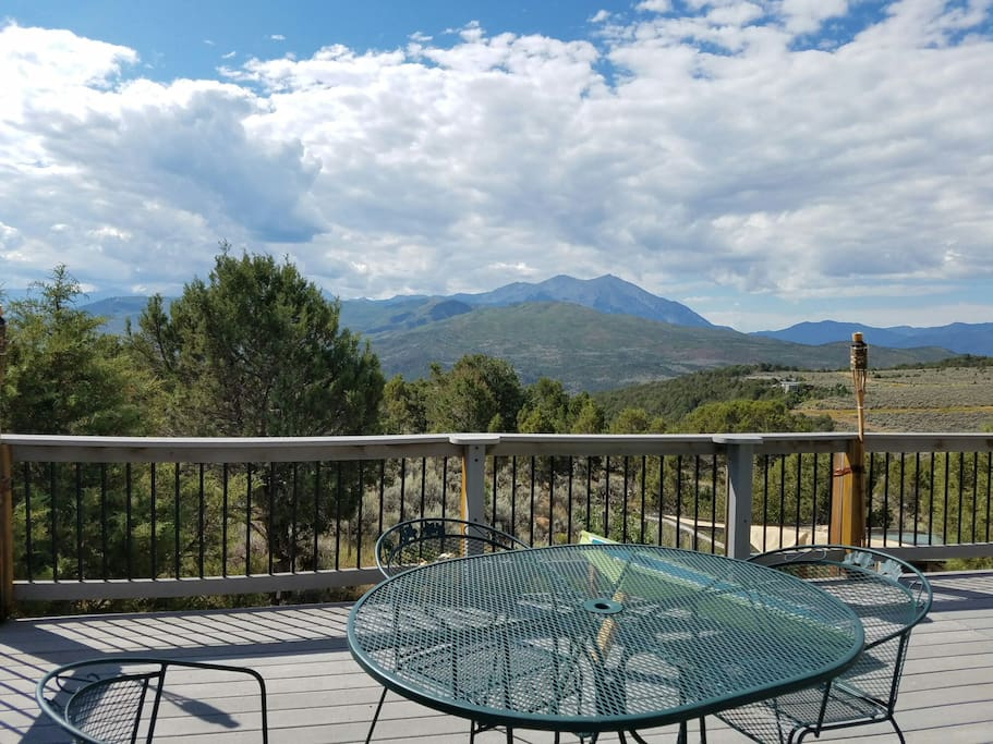 enjoy breakfast / lunch / dinner on our deck and panoramic views of mount sopris