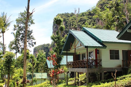 Hillside Cliff Bungalow, Tonsai Beach, Railay