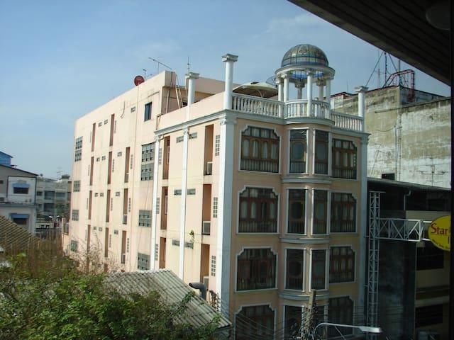 Двухкомнатная квартира у тихом районе - Novosibirsk - Apartment