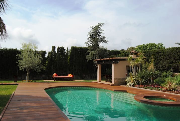 House in Calonge with swimming pool and barbecue