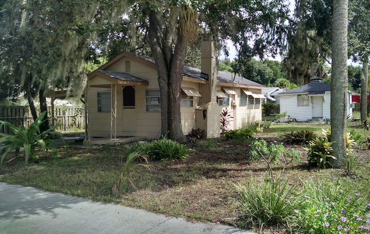 Bungalow in Titusville. Close to the Indian River.
