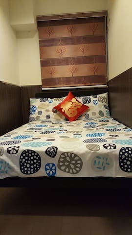 Little Double Room in Kowloon [1]