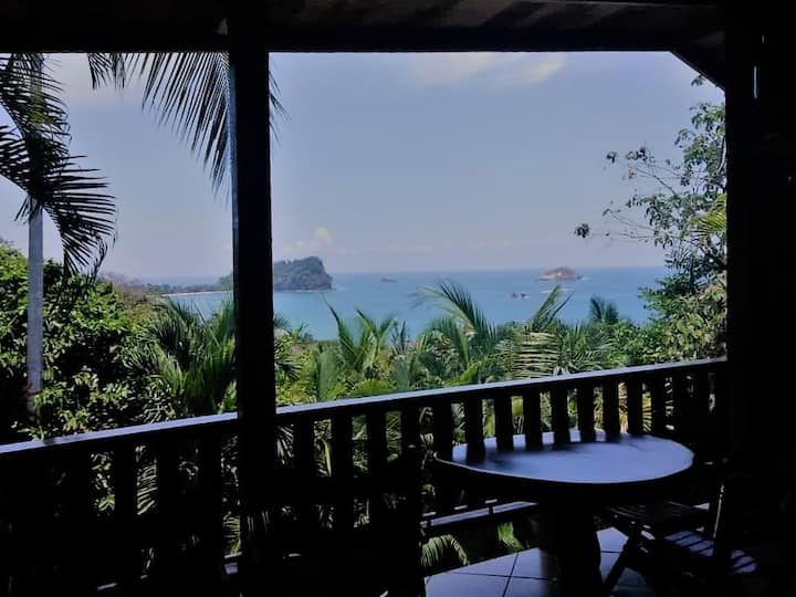 Bungalow Bella Vista ~ Ocean View Sleeps 4