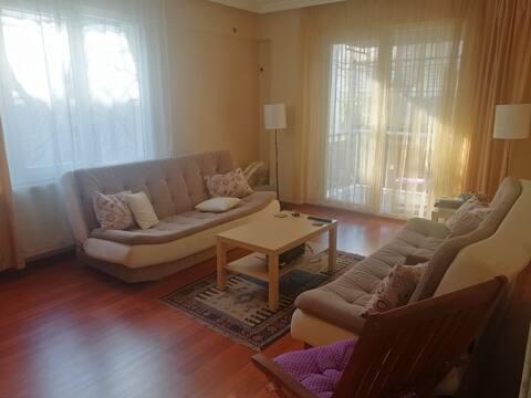 Cozy Room in the Center of Küçükpark/Bornova