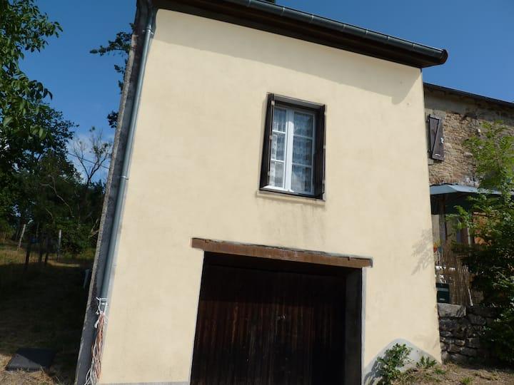 Gite dans hameau de Quinsat, près de Bourganeuf.