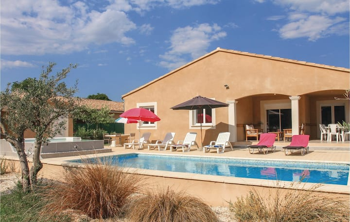 Amazing home in St Paul Trois Chateaux with WiFi and 4 Bedrooms