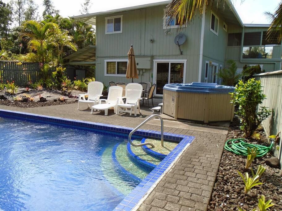 Backyard pool and Jacuzzi