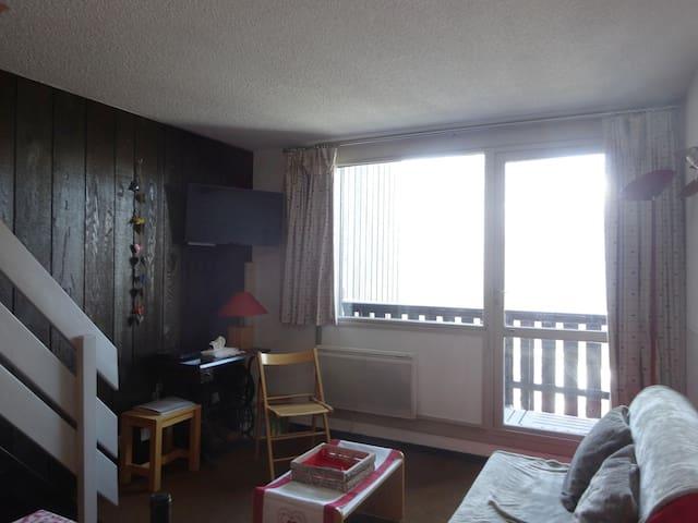 Salon sur balcon et salle à manger