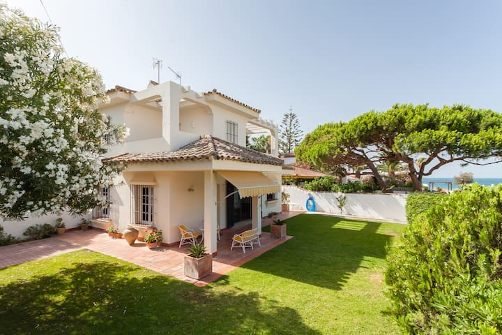 FAMILY HOME 50mtr FROM BEACH - Chiclana de la Frontera - Talo