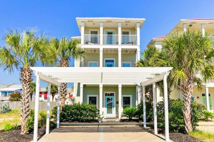 Beach House - Sandy Dreams - Pet Friendly!