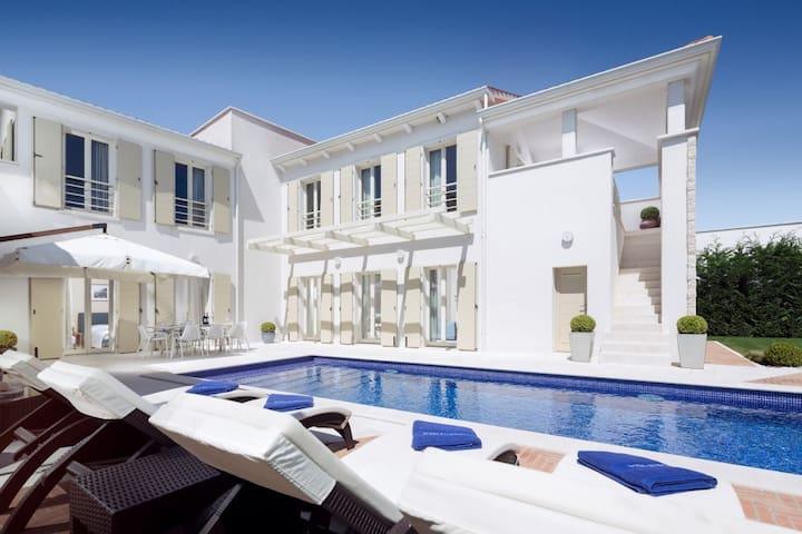 Beautiful Villa Camelia Borghetto, in Istria