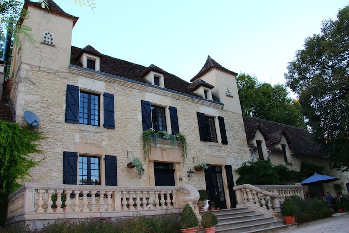 Le Manoir des Tuileries - Rouffilhac - Casa de huéspedes
