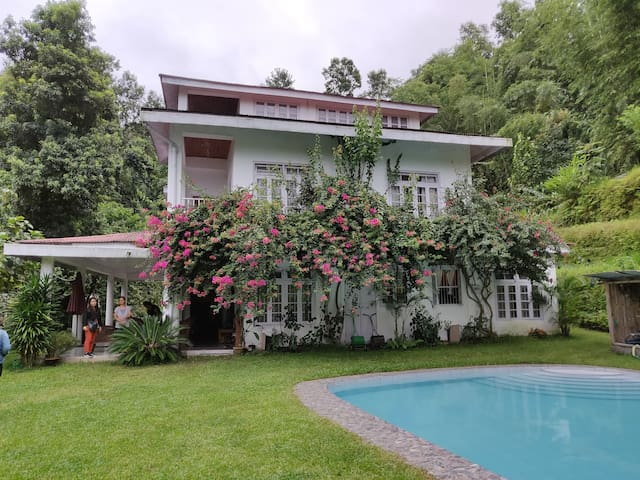 Beautiful Family Retreat near Pakyong Airport