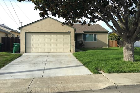 3 bed 2 bath home In East Bay Area - San Lorenzo - House