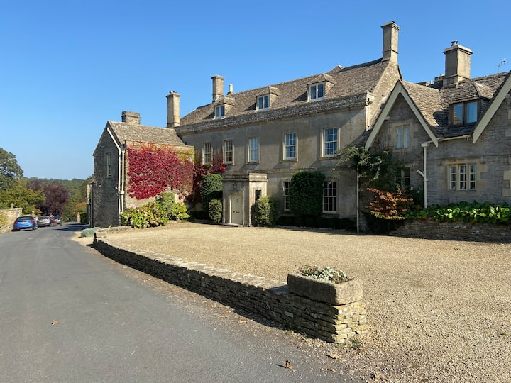 Large Cotswold Manor in stunning Miserden village