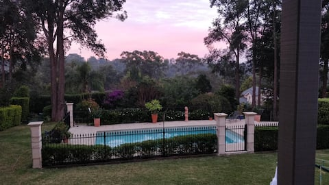 LAUREL HOUSE:  2 Bedroom Private Cottage with Pool