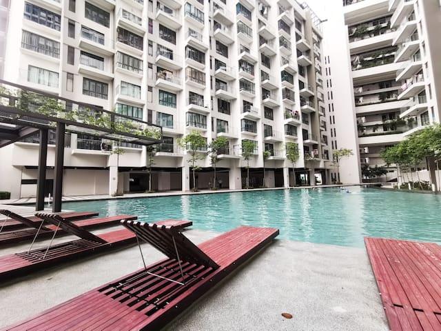 Perfect view high floor Suites nearest UPM@univ360