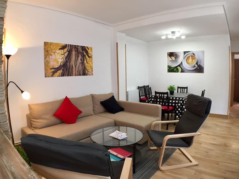 Piso moderno junto al guggenheim y la r a apartamentos for Pisos modernos madrid