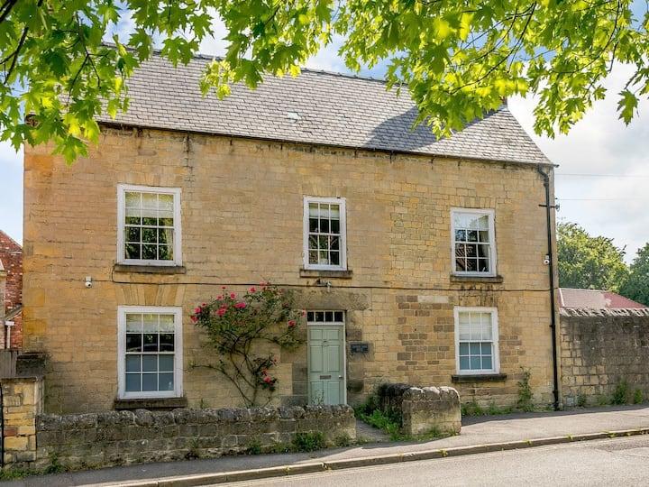 Church Farmhouse (UK30744)