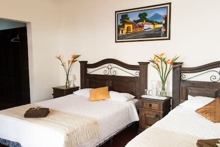 5-star Private Bedroom / FREE Parking