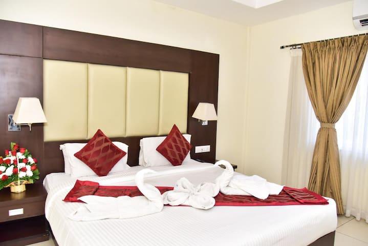 Golden Castle Suite Room