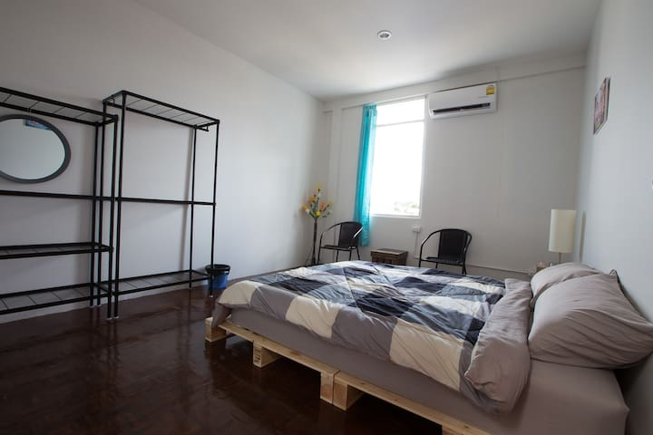Zee Thai Hostel Khaosan:Private Room Double bed 22
