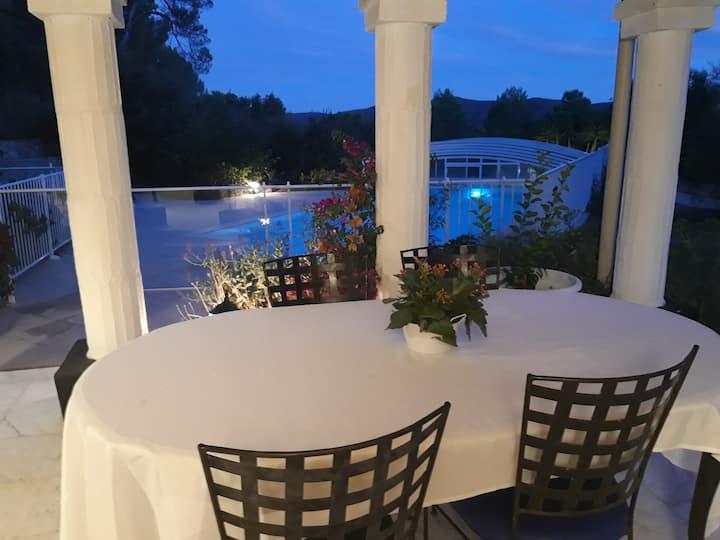 Tres beau T2 Rdj villa a la campagne avec piscine