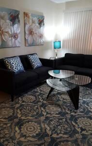 Stunning Private Apartment - Sinajana - 公寓