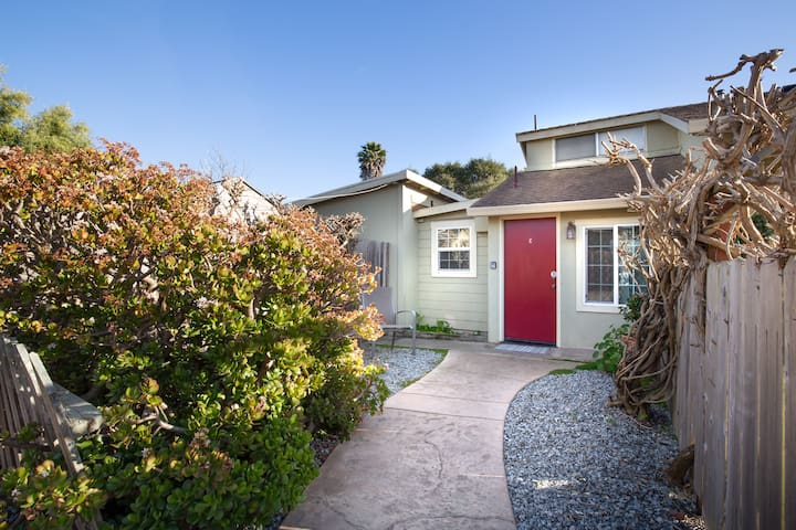 Beach Cottage located blocks from the beach at Pleasure Point, Santa Cruz!